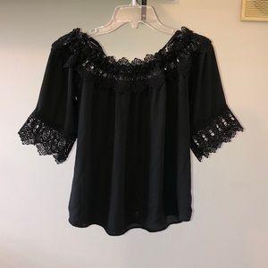 🌻 Black Off the Shoulder Blouse